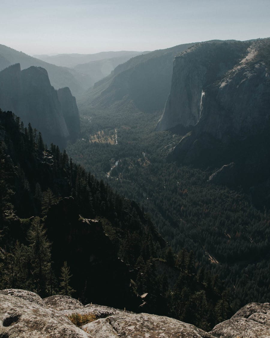A late afternoon vista from near Taft Point overlooking El Capitan