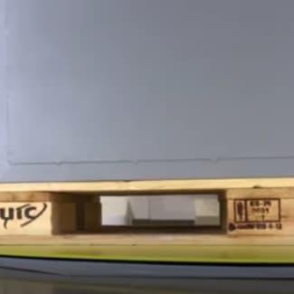 Filmeuse palette avec plateau-tournant extra-plat