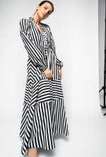 条纹长连衣裙