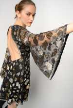 刺绣薄纱短款连衣裙