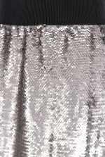 Falda repleta de lentejuelas