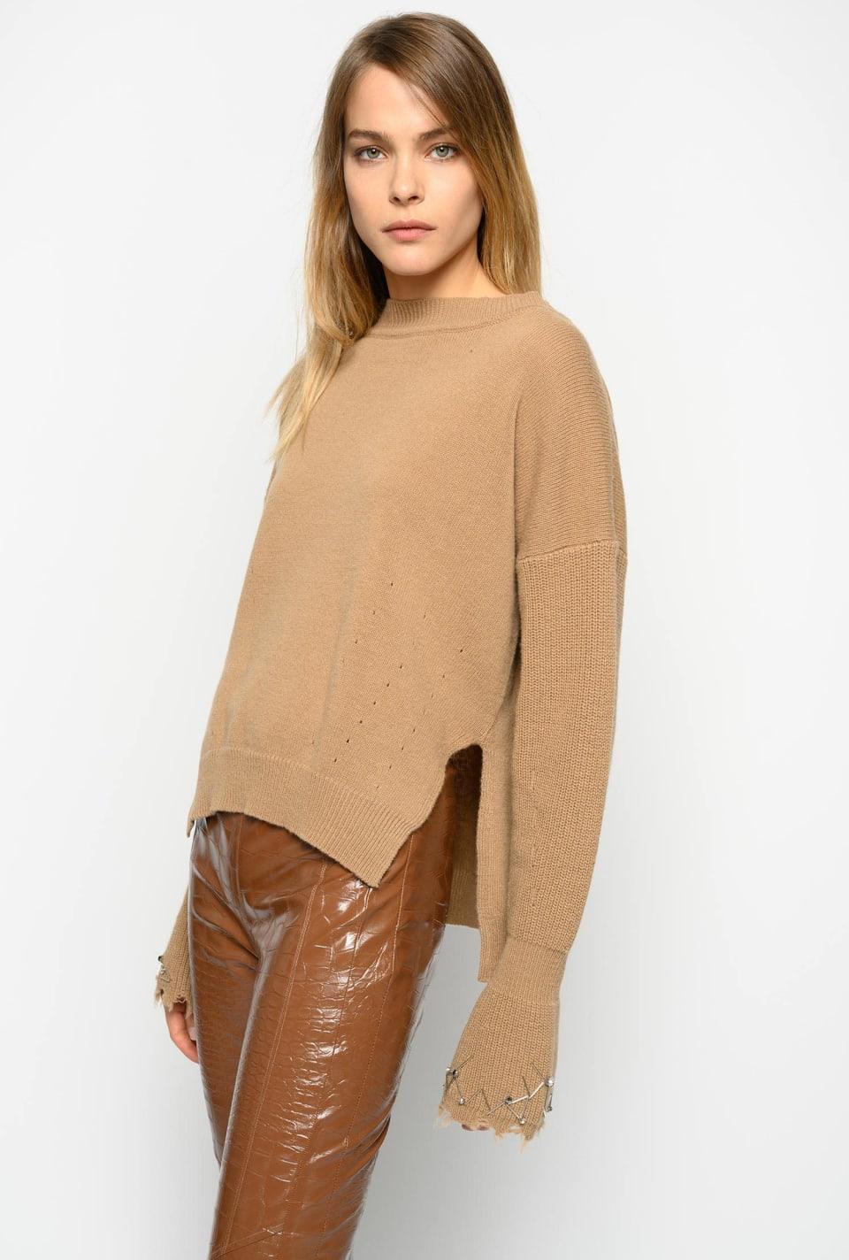 Jersey con bordado y strass
