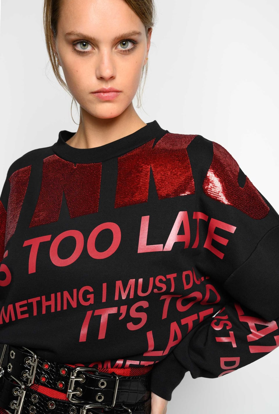 Cropped sweatshirt with lettering