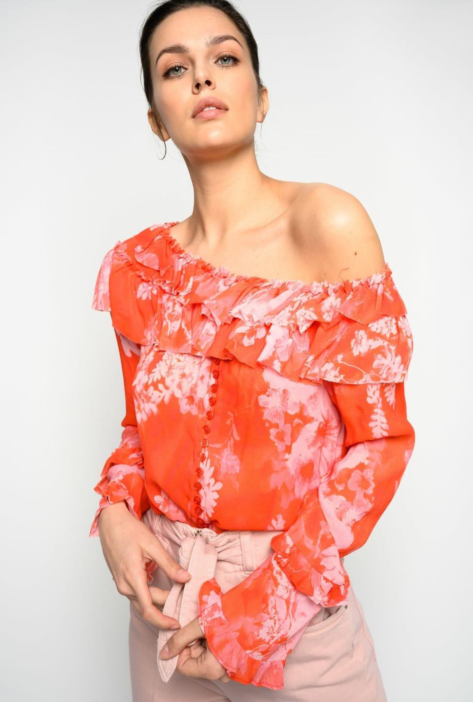 Hibiscus-print blouse