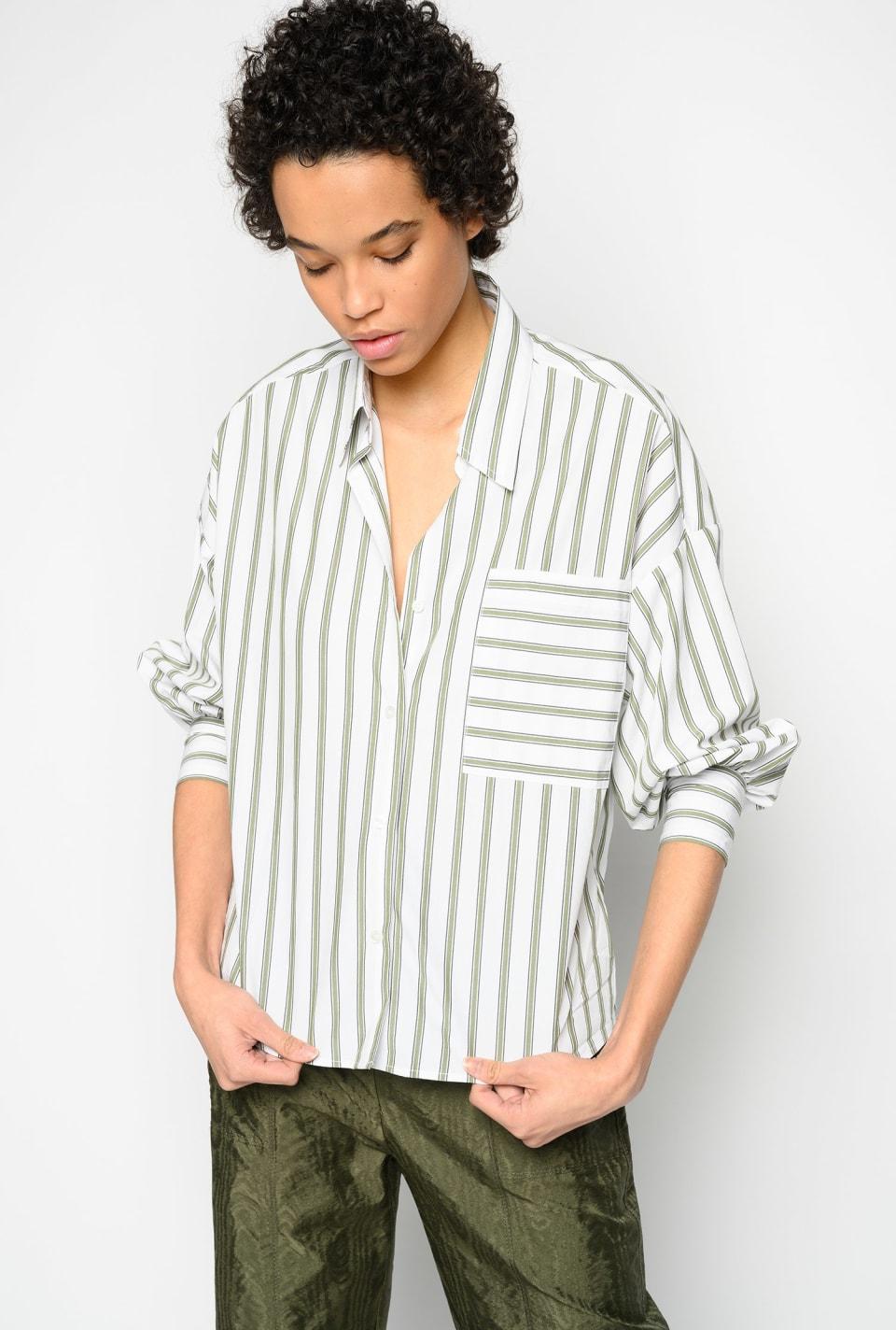 条纹图案衬衫