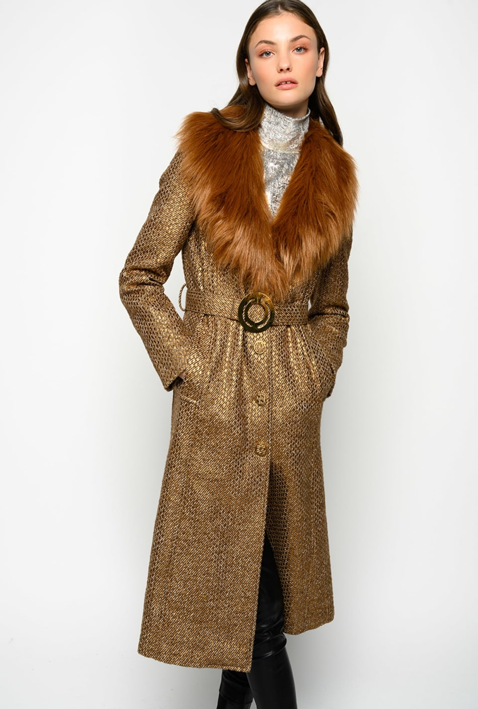 Long coat in tweed with faux fur