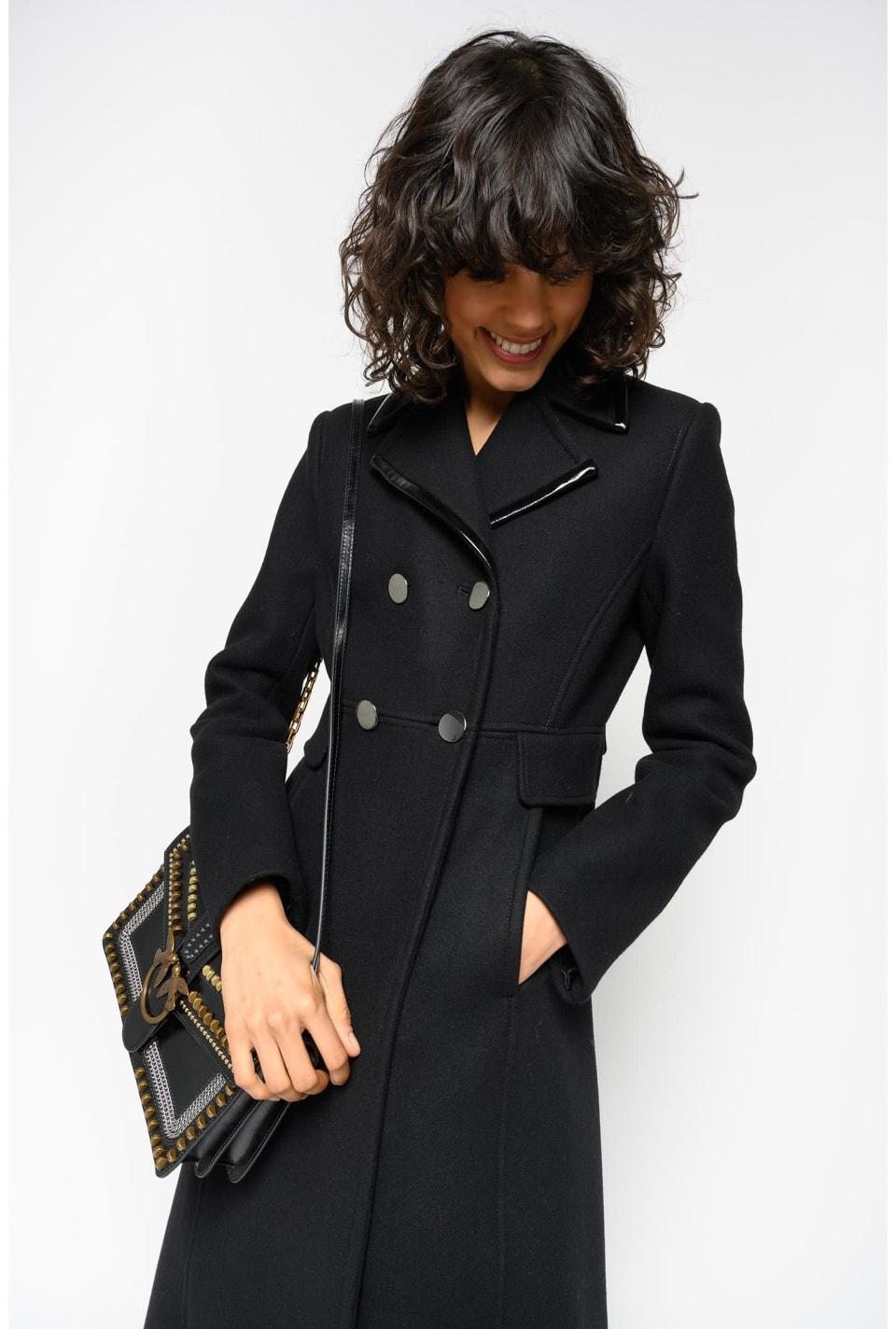 ウールファブリック製ロングコート