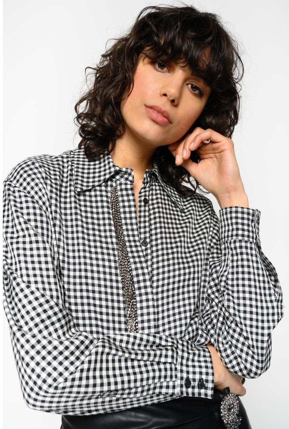 ラインストーンのフランジ付きシャツ
