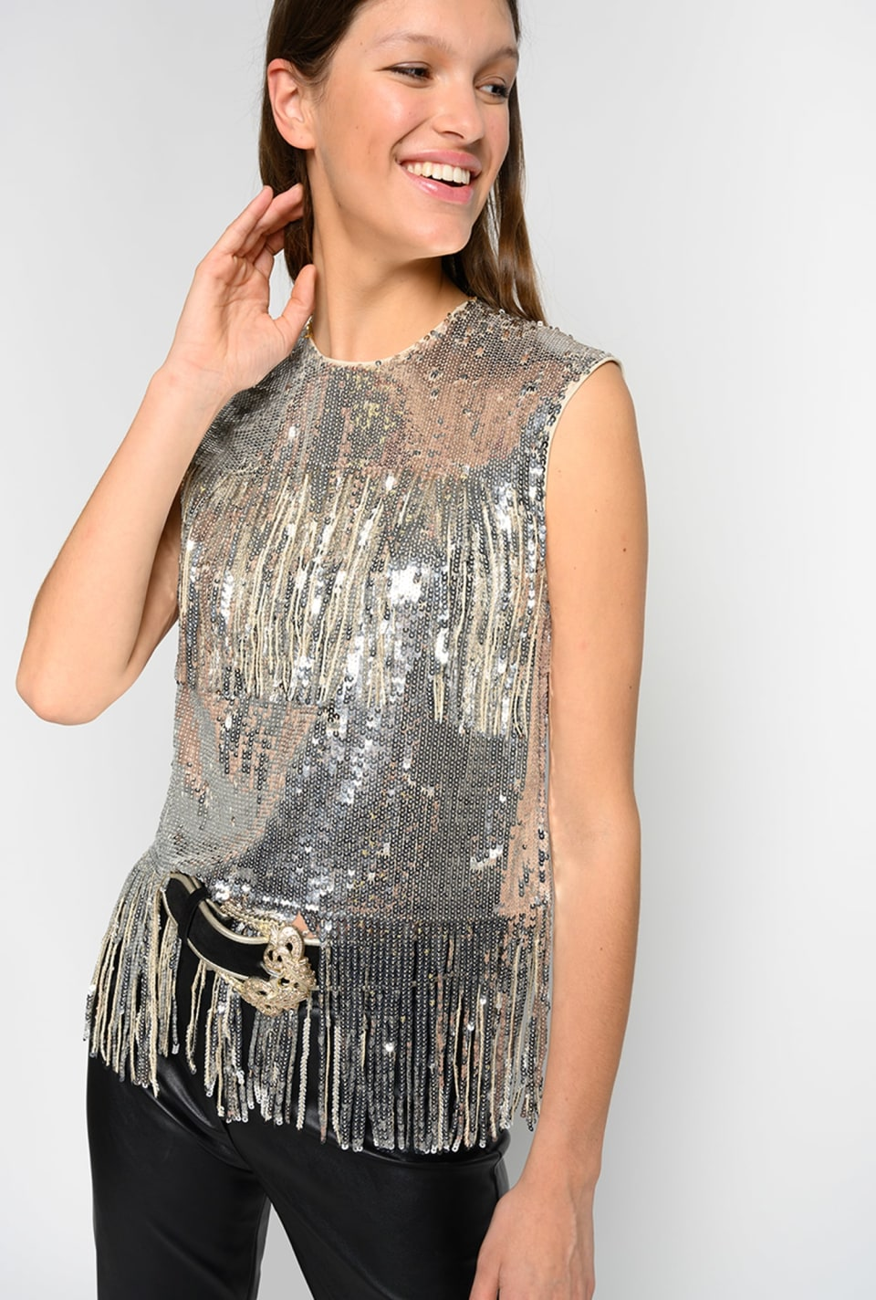 Top in full paillettes con frange