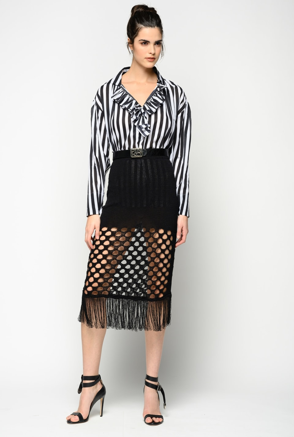 Skirt in knitted mesh with fringe