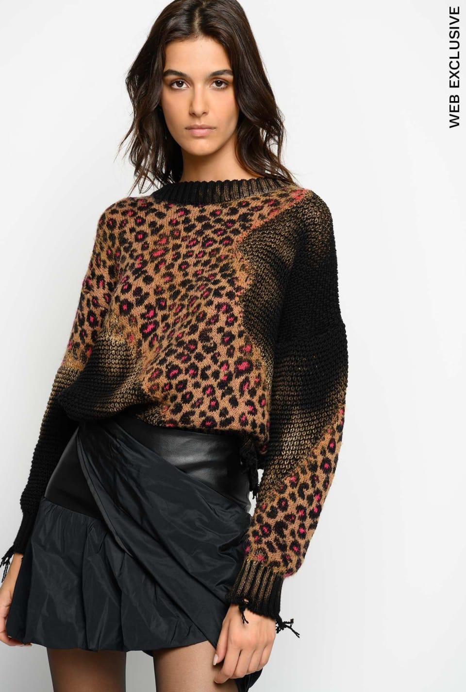 Animal pattern jacquard pullover