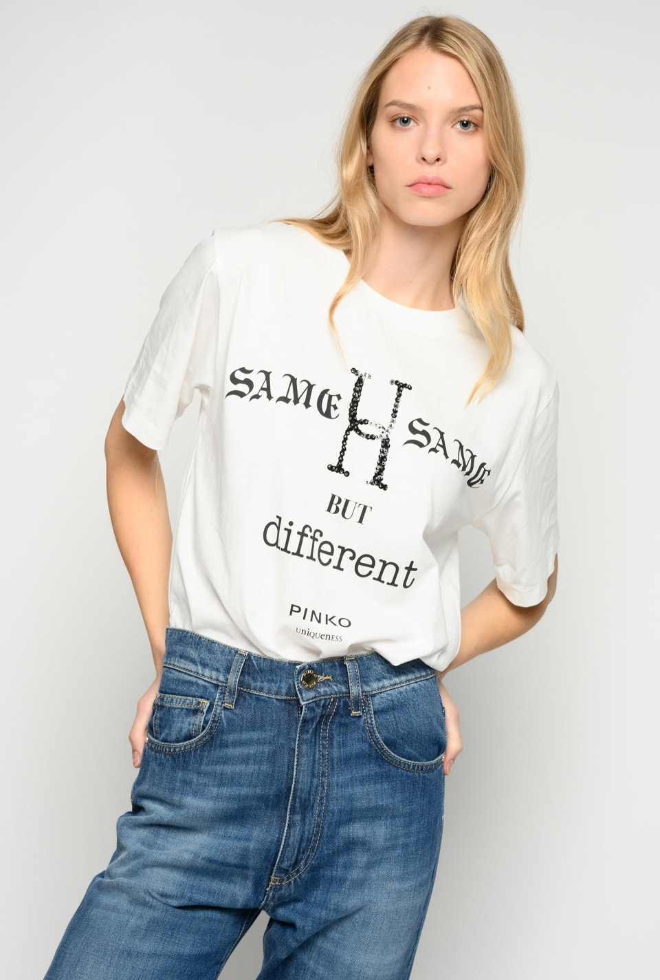 Camiseta Same Same But Different - Pinko