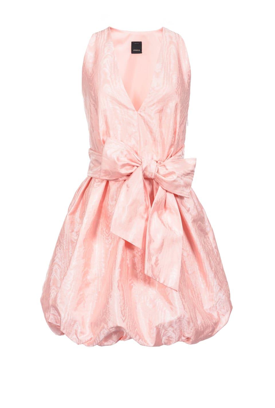 配腰带灯笼连衣裙