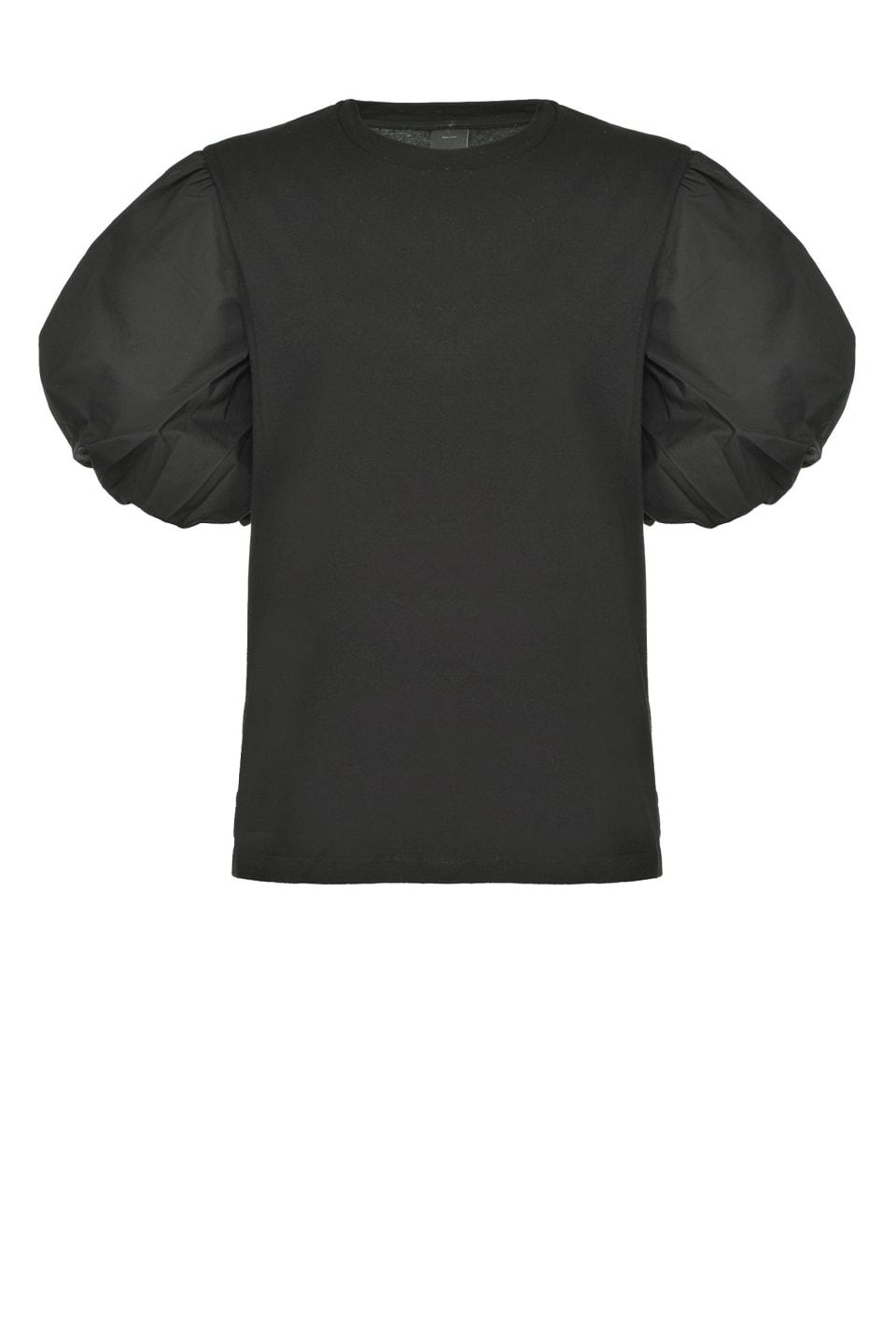 Camiseta con mangas abullonadas