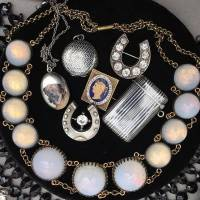 Meet and shop with a Portobello Road antique jewellery dealer
