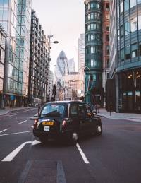 Tour London's most famous sights by black cab