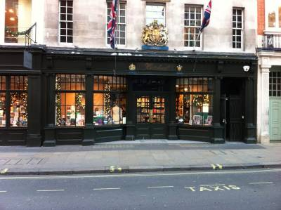 The charming frontage of Hatchards on Piccadilly