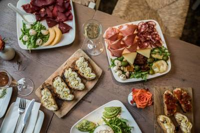 The perfect pairing of wine and nibbles at Negozio Classica