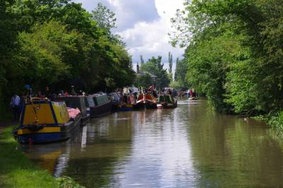 The beautiful Regents Canal separates Central and North West London