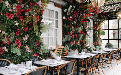 Outdoor dining at Bloomsbury