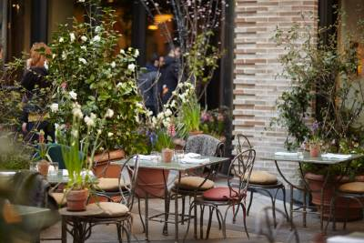 Courtyard off Covent Garden
