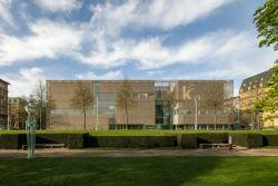 Fassade aus bronzefarbigem Edelstahlgewebe für Kunsthalle Mannheim