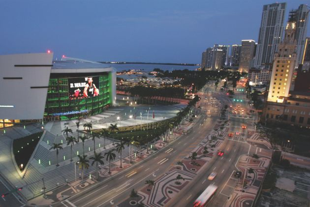 Transparent media façade at the American Airlines Arena in Miami