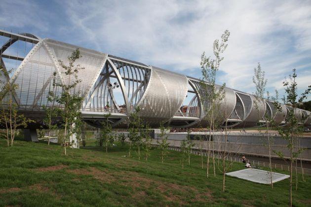 Architekturgewebe für glänzende Helix im Manzanares Park