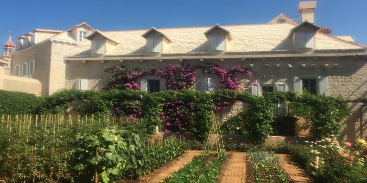 Dvor nekad poznate sutivanske obitelji Ilic-danas luksuzni hotel (Foto:Tatjana Rau/Glas Hrvatske)