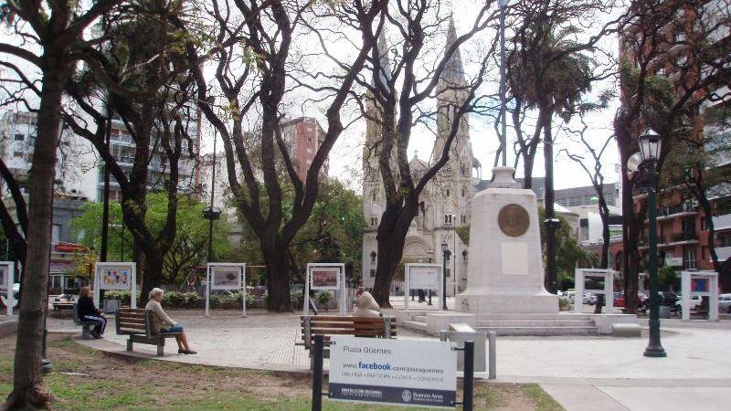 Blog mc Villa Freud, Plaza Güemes, Buenos Aires, Argentina (Foto: wikipedia)