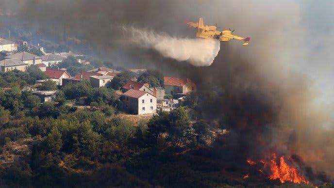 Branbekämpfung aus der Luft (Foto:IC/Pixsell)