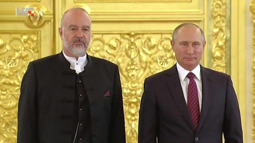 Croatian Ambassador to Russia Tonči Stanišić and Russian President Vladimir Putin. (Photo: HRT)