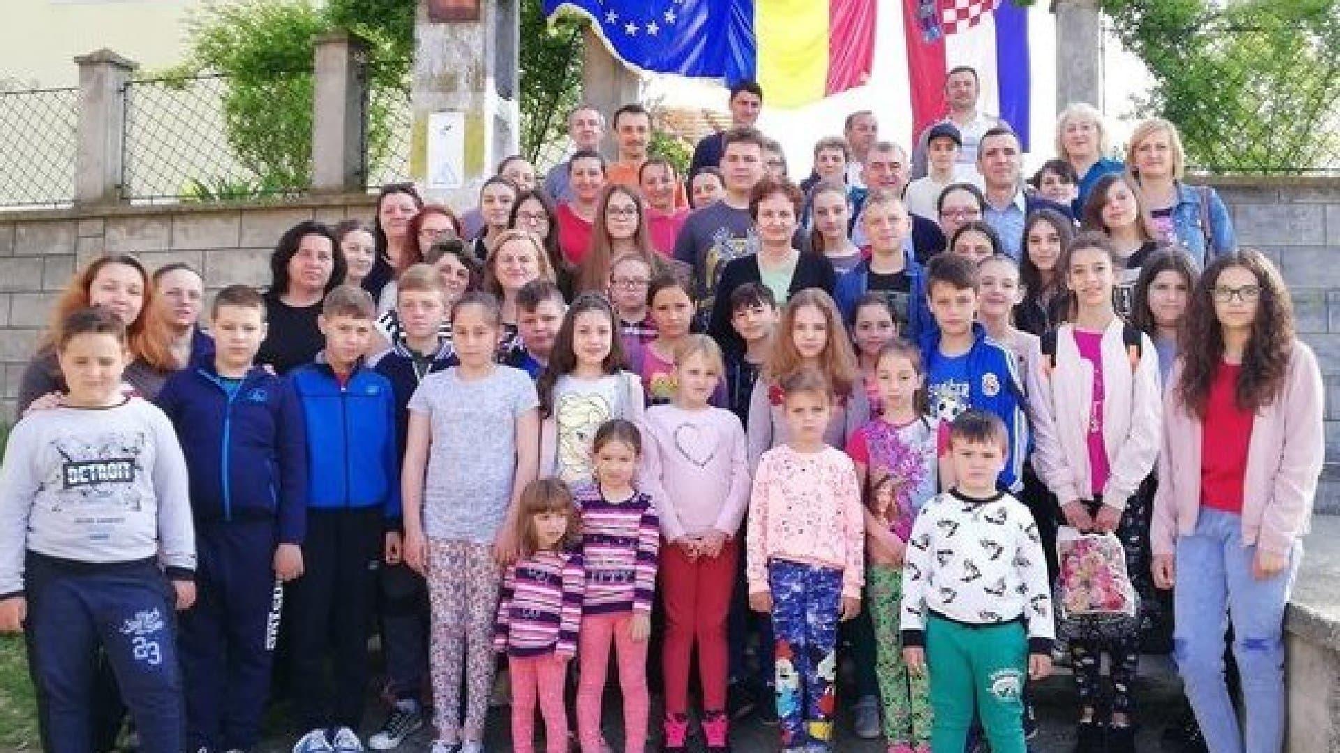 niños participantes de Karaševo. (Foto: Facebook)