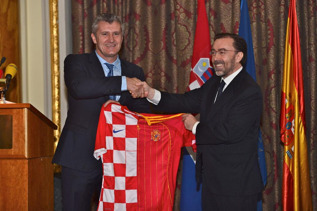 Embajador con el presidente de la Federación Croata de Fútbol