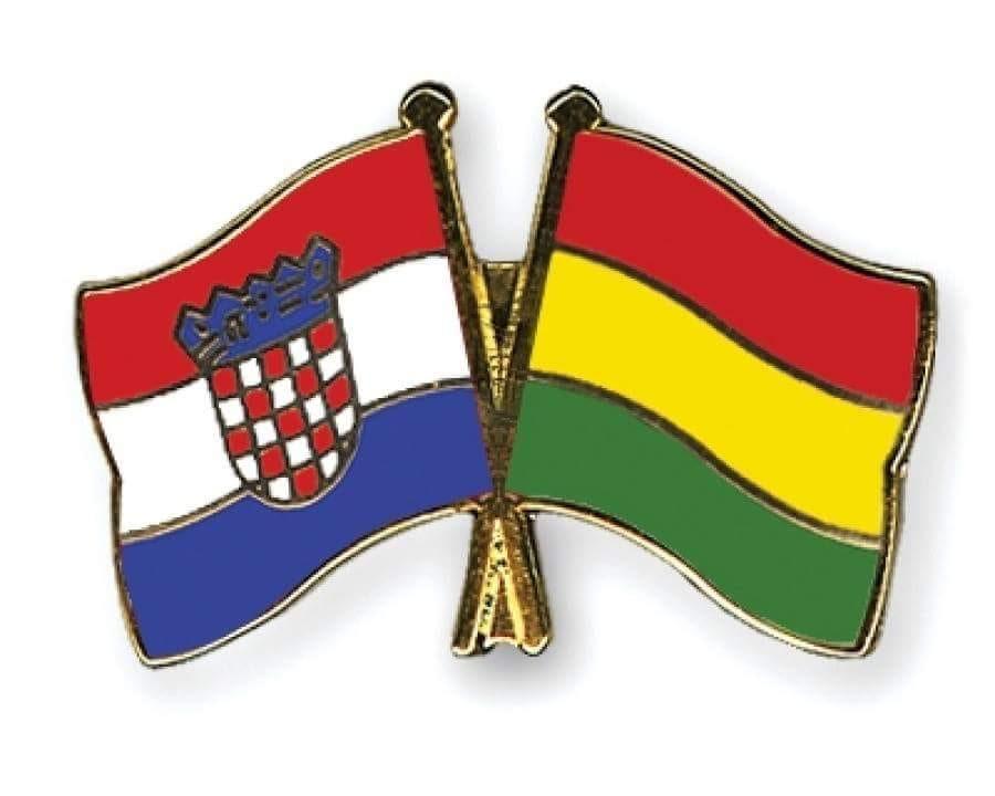 Banderas de Bolivia y Croacia