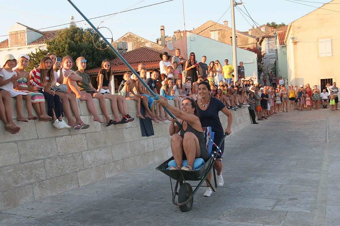 Natjecanje u alki s kariolama, Foto: odobrenjem domaćina