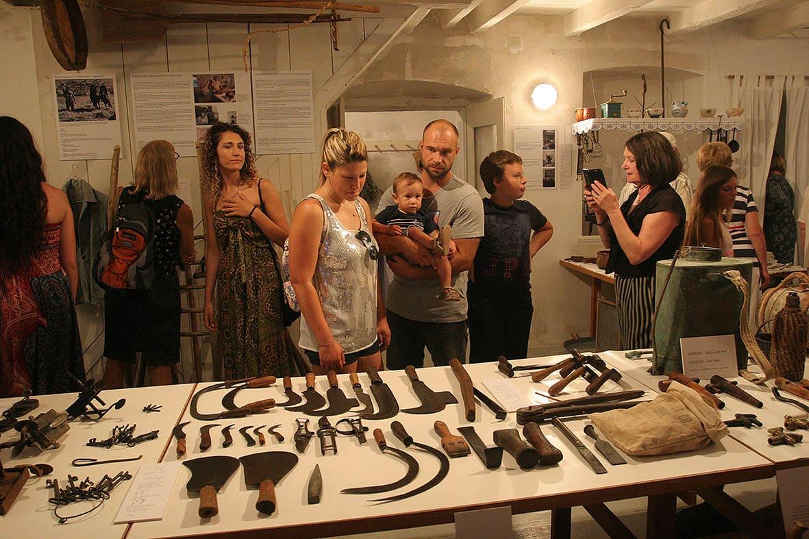 Izložba radova, Foto: odobrenjem domaćina