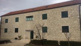 Hrvatski stil - Eko kampus Krka Puljane
