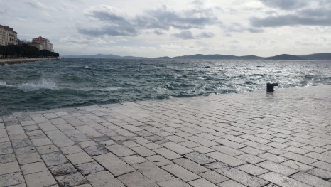 The other face of a Zadar postcard – the turbulent October Sea