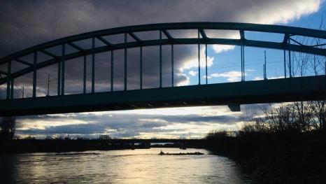 Hendrixov most dok se nebo mrači
