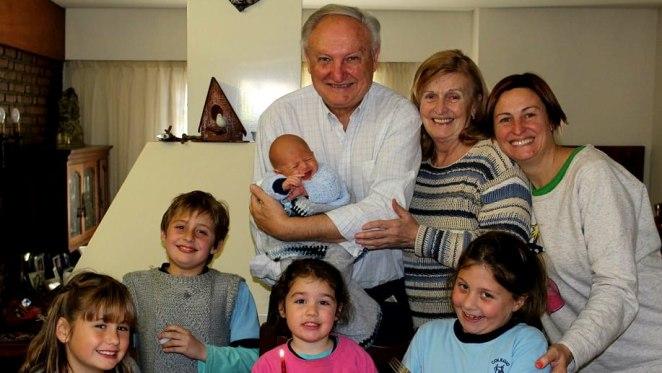 Krešimir Jerković - dolazak u Argentinu, školovanje i obitelj
