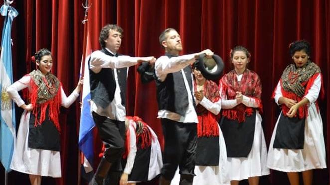 Grupo de danzas Velebit