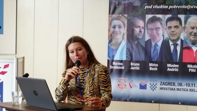 Nela Sršen na konferenciji Branding Hrvatske (novinarka: Mirjana Žugec Pavičić)