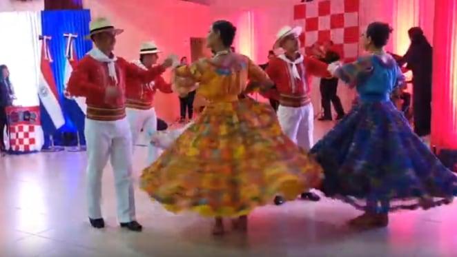 """Paragvajski plesači na """"Vukovarskom svjetlu"""" u Paragvaju"""
