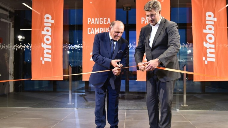 Prime Minister Andrej Plenković (right) cutting the ribbon at the opening of the Pangea Infobip campus. (Photo: Dusko Marusic/PIXSELL)
