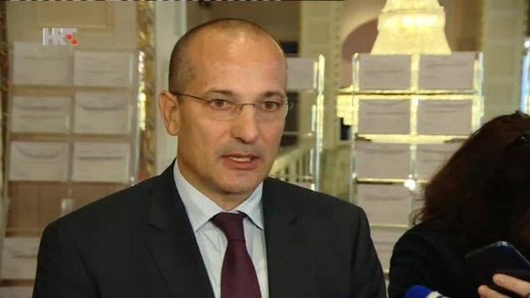 Ausschussvorsitzender Orsat Miljenić (Foto: HRT)