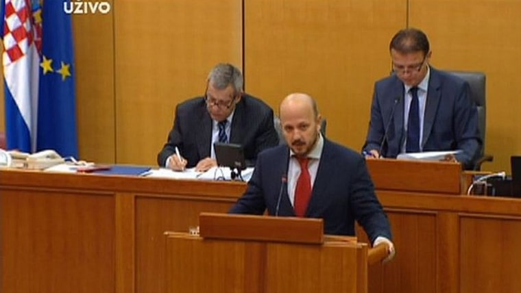 SDP's Gordan Maras in parliament this morning (Photo HRT)
