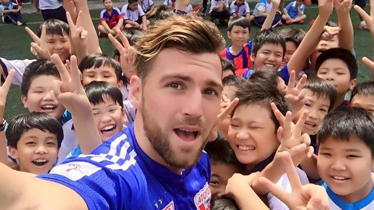 Marko Šimić među indonezijskim navijačima (Foto:Facebook)