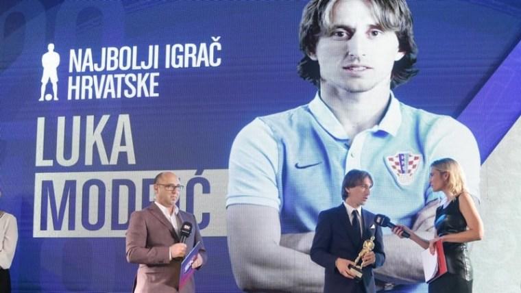 Luka Modrić erhält Auszeichnung als Spieler des Jahres vom Kroatischen Fußballverband (Foto: Luka Stanzl / PIXSELL)