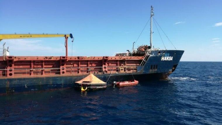 Barco de carga turco (Foto: HRT)